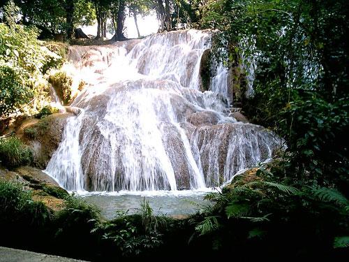 """Amazing """"Cascadas de Agua Azul"""" Waterfalls In Chiapas"""