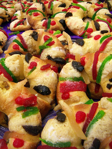 Miniature roscas (photo by A30-Tsitika courtesy of Flickr)