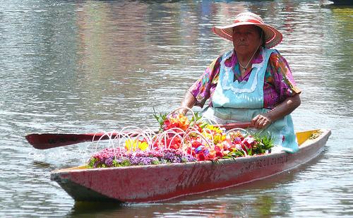 Canales de Xochimilco: Mexico's Magical Floating Gardens