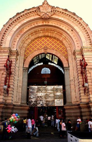 Beautiful  & Spacious Guanajuato's Hidalgo Market Entrance