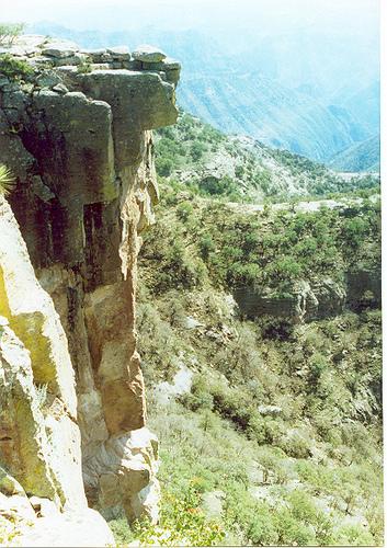 Cliffs of Piedra Volada (photo by Izennen courtesy of Flickr)