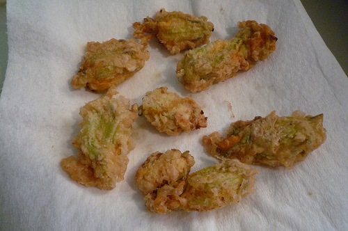 Fried flowers (photo by Krista76 courtesy fo Flickr)