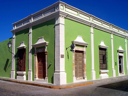 Gorgeous Green house with White Trim in Campeche