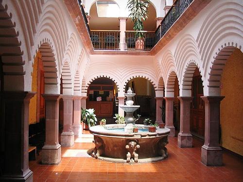 Stunning Patio in Santiago de Queretaro House
