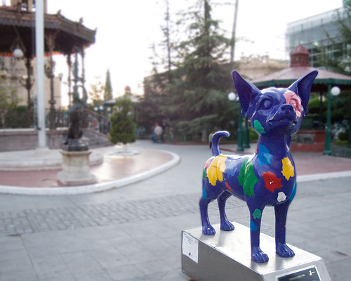 Colorful Chihuahua statue in Chihuahua (CC photo by JJ.Figueroa courtesy of Flickr)